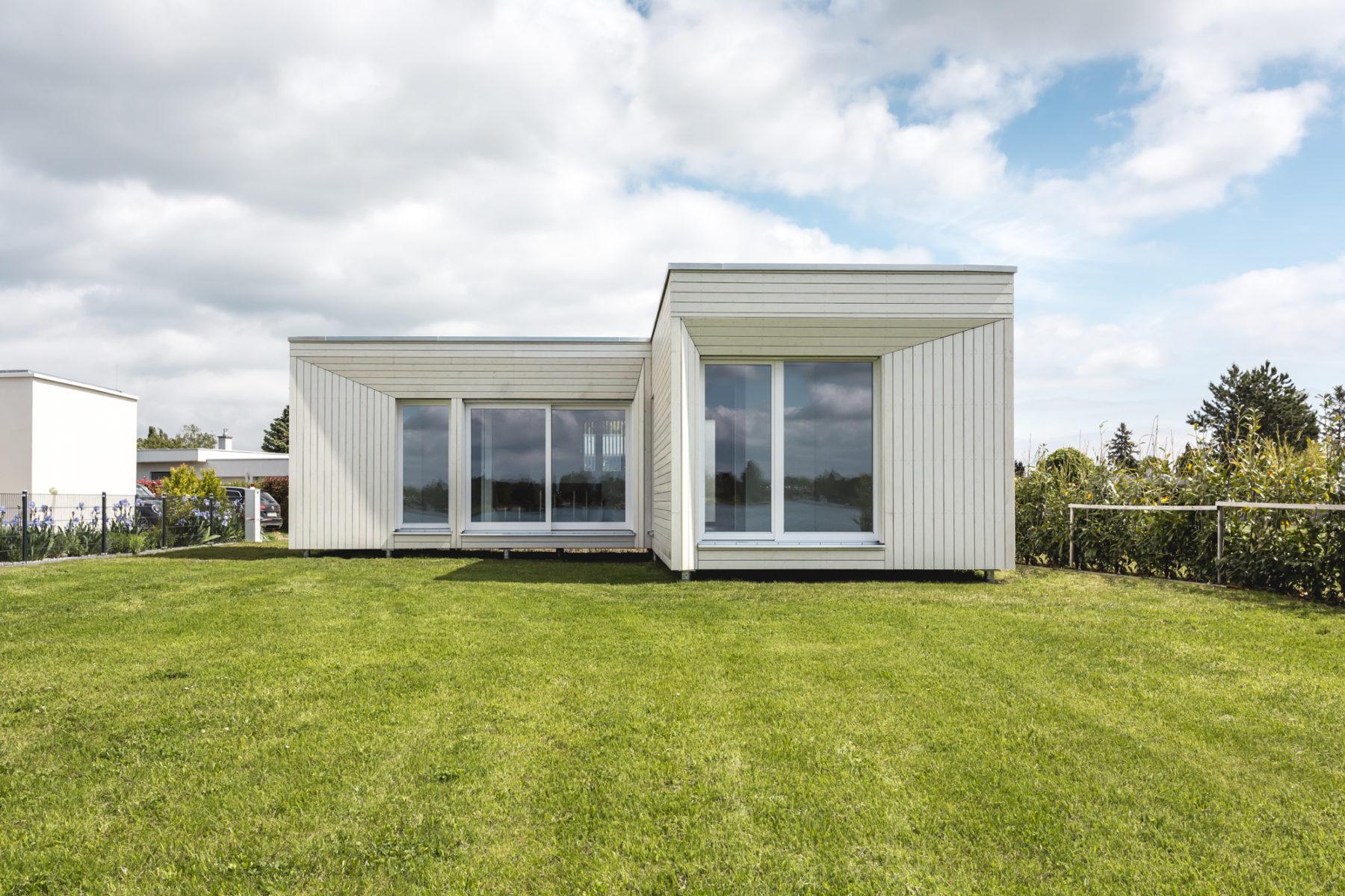 "COMMOD HOUSE ET ""Badehaus"" 69m² SHOB"