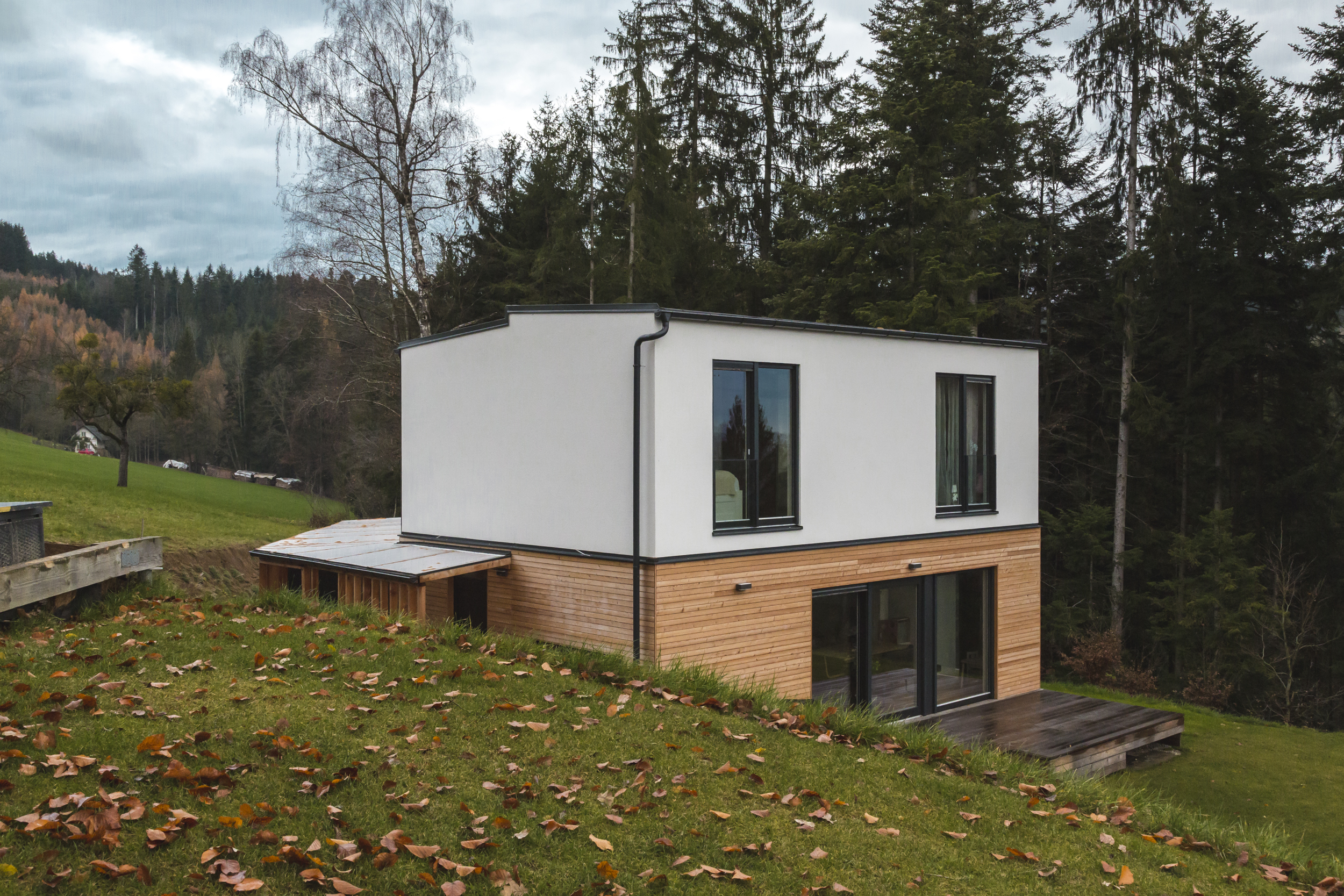 "COMMOD HOUSE SV ""house on the hill"" 108m² BGF"