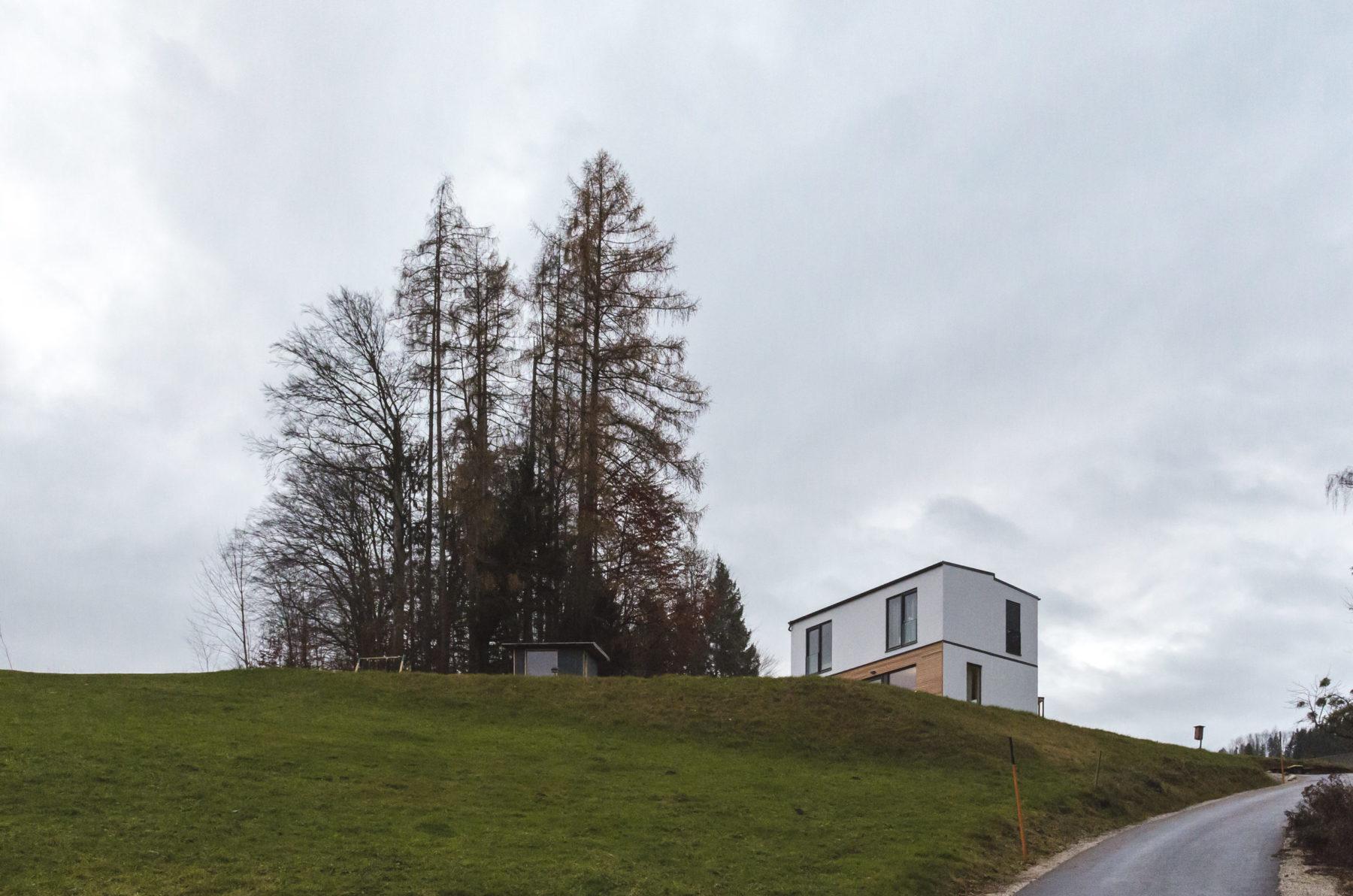 "COMMOD HOUSE SV ""house on the hill"" 108m² BGF"